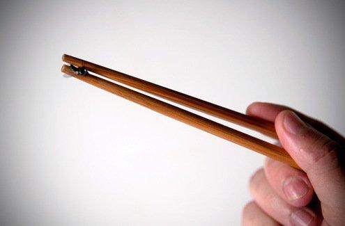 fly-chopsticks_large.jpg
